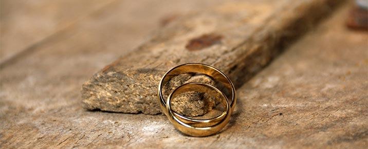Holz-Hochzeit