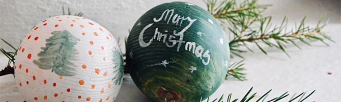 Weihnachtsbaumkugeln aus Holz